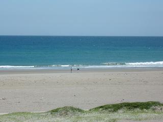 海水はちと冷た