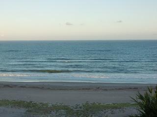 波やや高し
