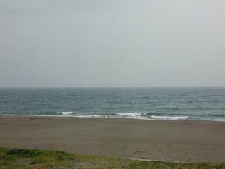 海は東風強