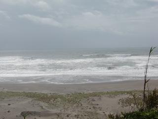 波が崖(ほうべ)まで