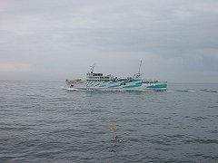 すれ違う伊勢湾フェリーを撮影しました。