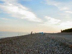 鶴翼(堤防)前に陣取る釣り人たちを撮影しました。
